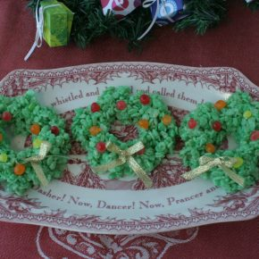 Rice Krispy treats shaped like small wreaths for Christmas